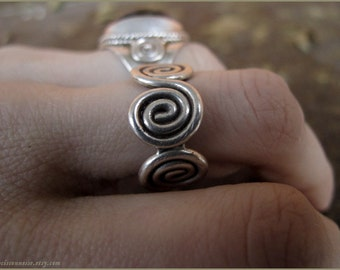 Artisan sterling silver Ring  - Swirl Goddess celtic spiral magic - solid silver ring