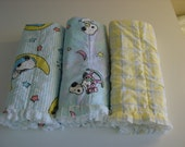 FREE SHIPPING Snoopy rag quilt baby burp cloths, burp rags, burpies