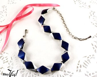 50s Blue Diamond Deco Thermoset Vintage Necklace - 16 inches - Midnight on Silver - Hey Viv