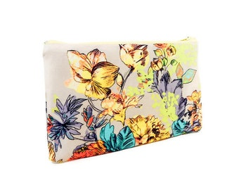 Floral Fabric Pouch, Zipper Pouch, Pouch, Fabric Pouch, Small Pouch, Coin Purse, Change Pouch, Flower Pouch, Small Zipper Case, Retro Floral