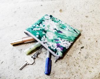 Floral Fabric Pouch, Coin Purse, Change Pouch, Fabric Pouch, Floral Fabric Zipper Case, Pouch, Gift for Her, Pale Purple Floral Pouch