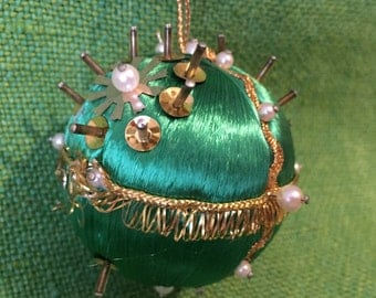 Beaded Christmas Ornament Vintage Gold Green Small Handmade