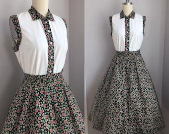 Vintage 1950s Cotton Floral and Leaf Novelty Print 2 piece Dress Top Skirt Size XS