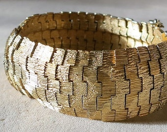 Gold Vintage Bracelet by Boucher