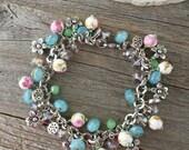 Mothers day jewelry, mothers day bracelet, mom bracelet, beaded bracelet, gifts for mom, spring jewelry, floral jewelry, floral bracelet mom