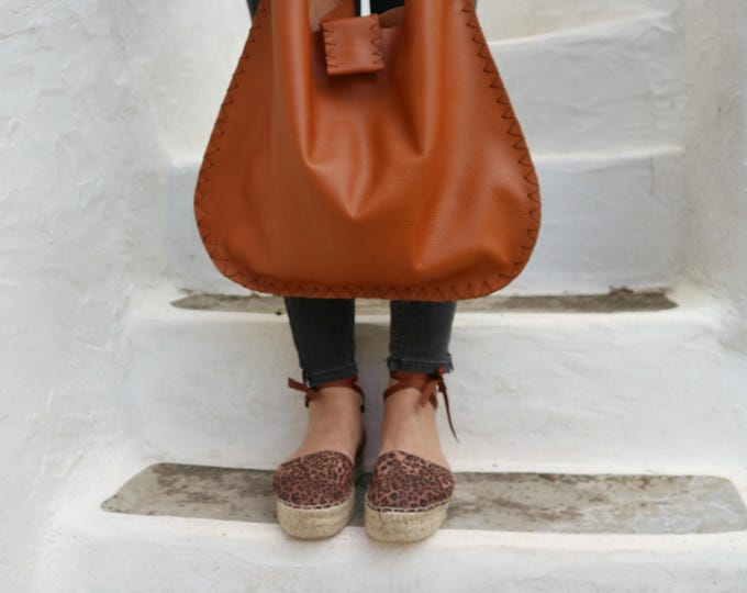 Featured listing image: Large Leather Shoulder Bag in Ginger Brown. Leather Shopping Bag. Boho Tote Bag.  Womens Gift. Gift for Her. Bohemian Bag. -Mesmerical-