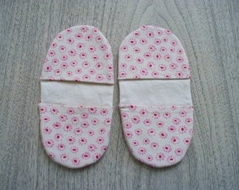 Pair of Pink Flower Them, Microwave Mitts (Free US Shipping)