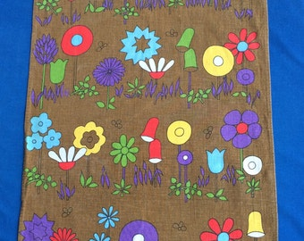 Vintage Mod Flowers 60's Retro 70's Cotton Towel for Home, Kitchen, Bedroom Wall Hanging Modern Fabric