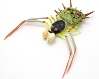 Colonel Mustard Spiny Crab Spider - lampworked lifelike glass spider figurine made by Glass Artist Wesley Fleming