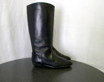 Etienne Aigner Sz 9m Alexis I Tall black leather 1980s Women flat riding boots.