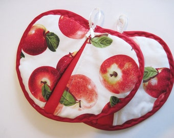 Apple Potholder set of 2 . Red apples on cream with  red trim