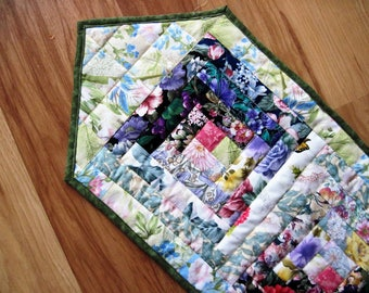 Quilted Table Runner Summer flowers  Patchwork  Watercolor log cabin  Quiltsy  Handmade