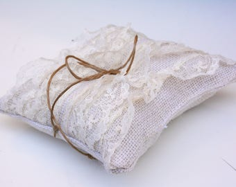 Burlap Ring Pillow,  lace ring pillow, wedding ring pillow, ring bearer pillow, rustic wedding outdoor wedding, lace pillow for ring bearer