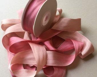 1 metre of 25mm silk ribbon (colour V129 variegated dusky pink/golden brown)