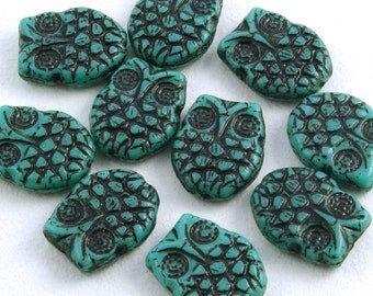 Owl Beads Turquoise with Black Wash 18x15mm Czech Glass - 6