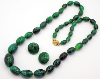 Vintage Elongated  Oval Bead Necklace Marbled Jade Color Early Plastic
