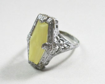 Art Deco Filigree Ring - Uncas - Yellow Opaque - Silver Tone - 1920s