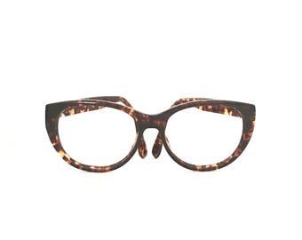 BiG 90s Cat EYe Glasses Faux Tortoise Shell Frame Big Vintage Catseyes Eyeglasses Big Brown Amber Cateye Sunglasses Preowned .