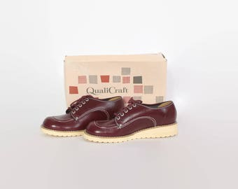 Vintage 70s OXFORDS / 1970s Burgundy Leather Platform Shoes 6 New in the Box