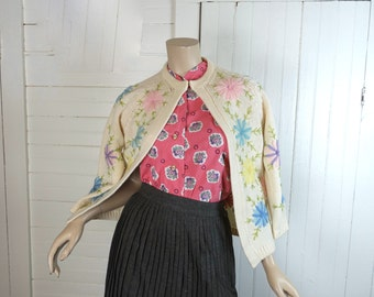 Daisies Cardigan Sweater- 60s / 1960s Embroidered Flowers- Pastel Mod- Small