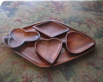 Beautiful Mid Century Hostess Card Suit Set, Wood Bowls With Serving Tray, Heart, Club, Diamond, Spade, Nuts. Snack,Bridge, Poker Game