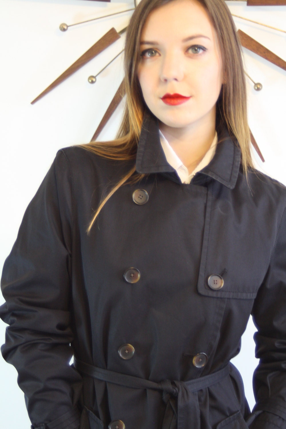https://www.posiesforluluvintage.com/listing/502884482/vintage-90s-black-trench-coat-by-banana