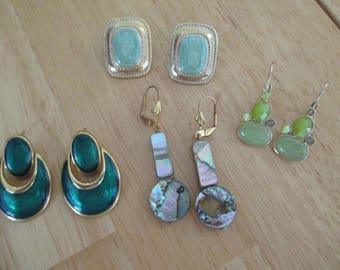 Vintage costume jewelry  /  4 pair pierce earrings