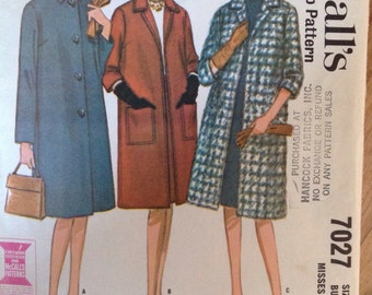 Vintage 60s McCalls 7027 Single Breasted Coat • size 10
