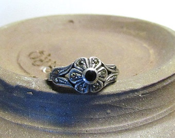Vintage Sterling Silver Marcasite Onyx Flower Ring Size 8 As Is