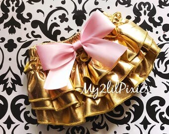 Gold Baby Bloomer , Metallic Gold Ruffle Bloomer, Gold bloomer with Pink Satin Bow, gold diaper cover, ruffle bloomer, newborn, infant