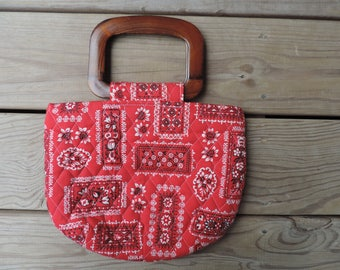 red bandana purse vintage 70s quilted wood handle handbag boho chic