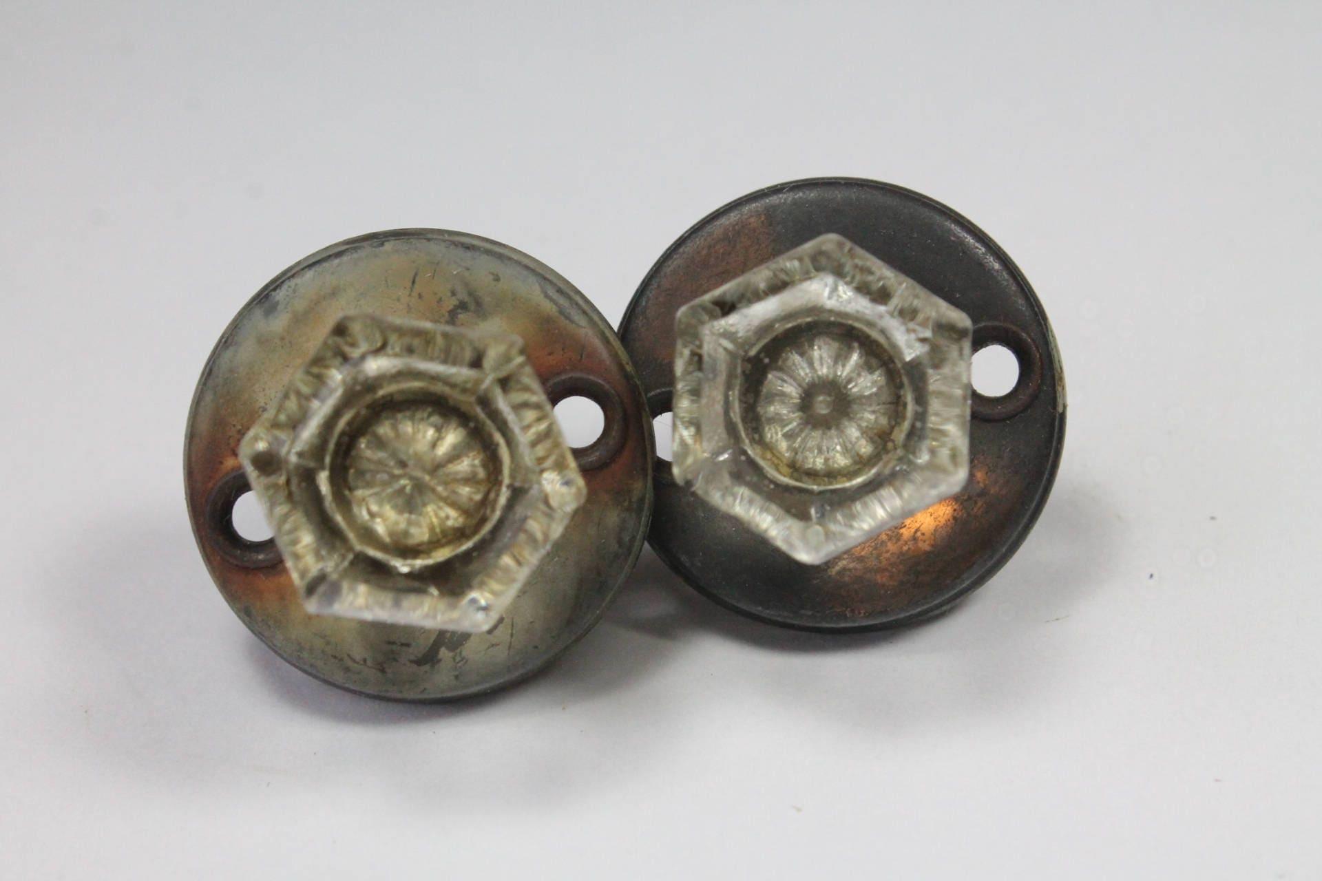 Vintage Cabinet Latches Vintage Frantz Glass Knob Cabinet Latch Set Of 2 Working Spring