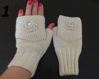 Hand Knit Sensational Fingerless Gloves using Wool Soy Yarn / One Size Fits Most / Wrist Warmer / Ruffled Victorian Cuffs / Select one Pair