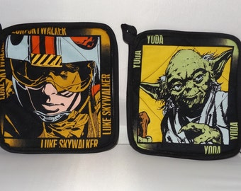 Star Wars  Pot Holders -Set of 2      Lucas     Luke Skywalker and Yoda