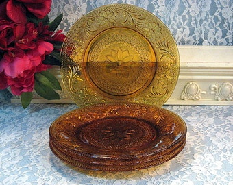 Vintage Amber Tiara Sandwich Early American #170 Indiana Glass Lunch or Salad Plates, Set of Four, 1960s Mid Century Dinnerware