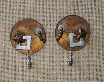 Free USA Shipping: Early Thomas Mann Bronze Post Earrings!