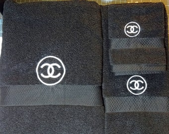 Black 100% Cotton 3 Piece Towel Set in a Soft Absorbent Cotton