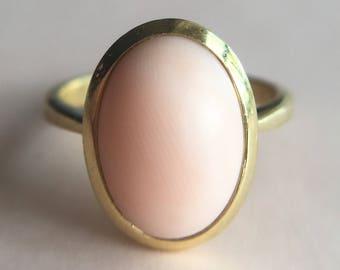 Vintage Mid-Century 18k Gold Angel Skin Coral Ring