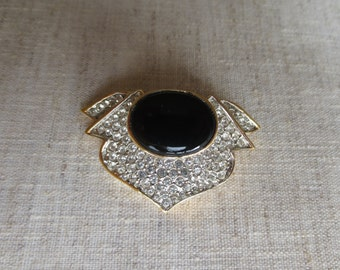 Beautiful art deco vintage rhinestone crystal black center stone gold tone brooch pin. Lot of 1 pin.
