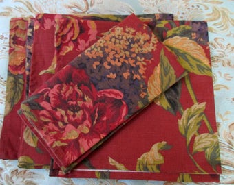 set of 4 vintage floral DINNER NAPKINS - cotton, red, flowers, square, new, unused