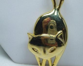 SALE 50% OFF Vintage prancing goldtone cat with siamese eyes