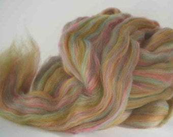"80/20  Merino/Bamboo Combed Top for Spinning or Felting  ""Higglety Pigglety""  4 oz."