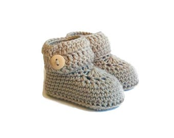 Short Button Cuff Baby Booties in Beige Merino Wool
