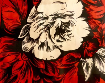 Vibrant Red Black and Cream Floral Scarf//Vintage 80s- Beautiful Classic Red Roses//Perfect for the Holidays! #R1027a