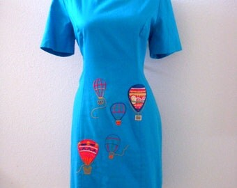 Vintage 80s Novelty Blue Sheath Dress - Aqua Blue Sheath Dress  Hot Air Balloon Appliques - Turquoise Blue 1980s Day Dress - Small to Medium