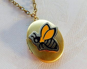 Bee Locket, Honey Bee Necklace, Working Locket, Gift for Her