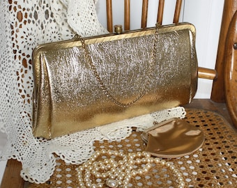 1950s 1960s Gold PARTY Purse . Vintage GOLD 50s 60s Formal Evening Clutch Purse With *Coin Purse