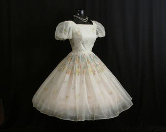 Vintage 1950's 50s White Pastel Floral Flocked Chiffon Organza Party Prom Wedding Dress