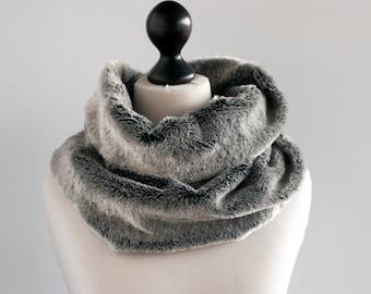 Silver grey fur infinity scarf. Faux fur infinity scarf. Faux fur snood in silver grey. Faux fur neck warmer. Womens chunky scarf. Neck wrap