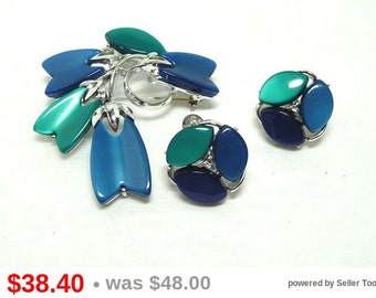 Lisner Green & Blue Thermal SET Brooch and Earrings - Lucite